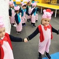 Recanto's English Theatre Production - The Three Little Pigs